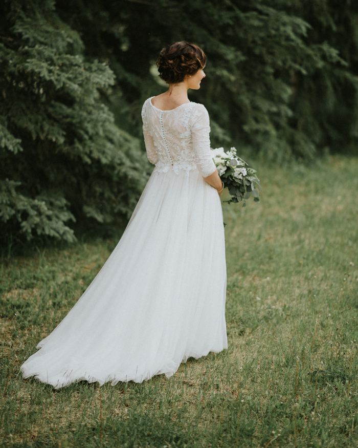 back of brides wedding dress