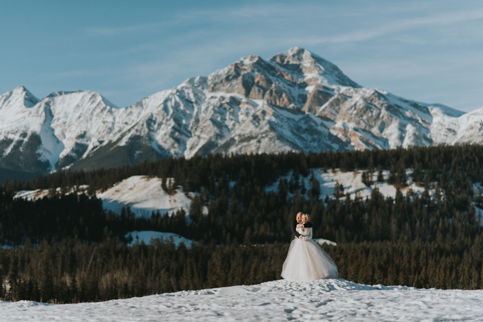 Fairmont Jasper Winter Wedding. Jasper Wedding Photographers. Mountain Wedding.