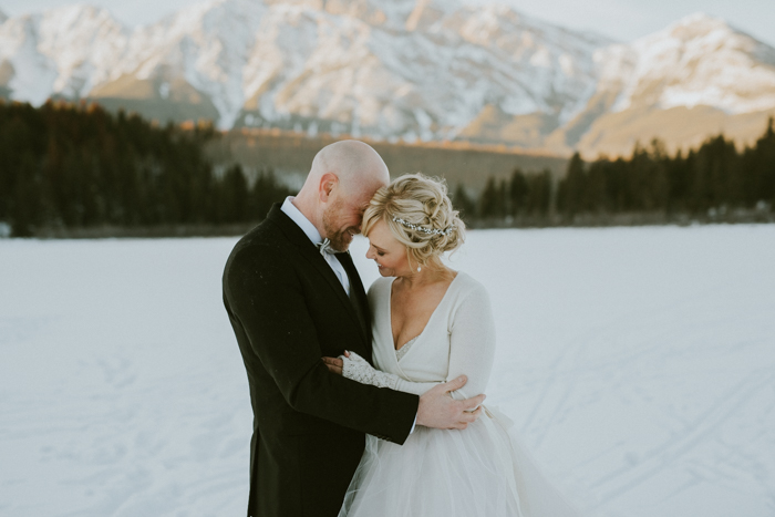 Fairmont Jasper Winter Wedding. Wedding pictures on Pyramid Lake Jasper in Winter.