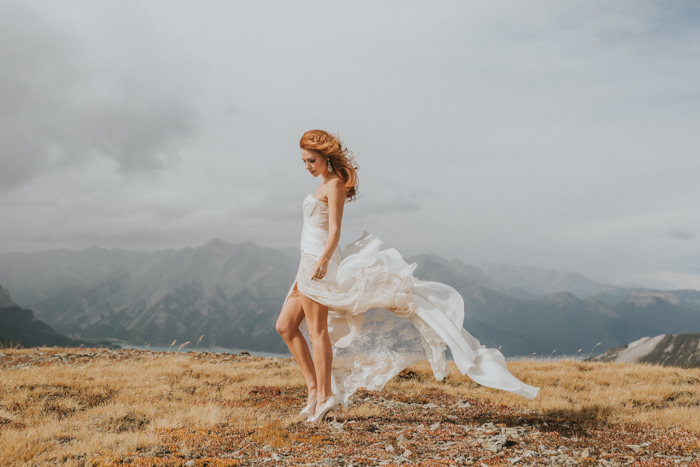 Helicopter Elopement Wedding Banff. Banff Wedding Photographer. Elopement Wedding Photographer.
