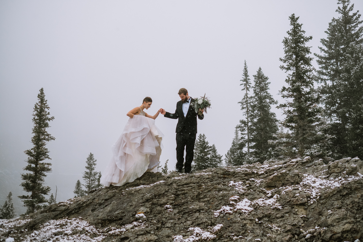 mountain-winter-wedding-with-snow-banff-wedding-photographer-10001-4